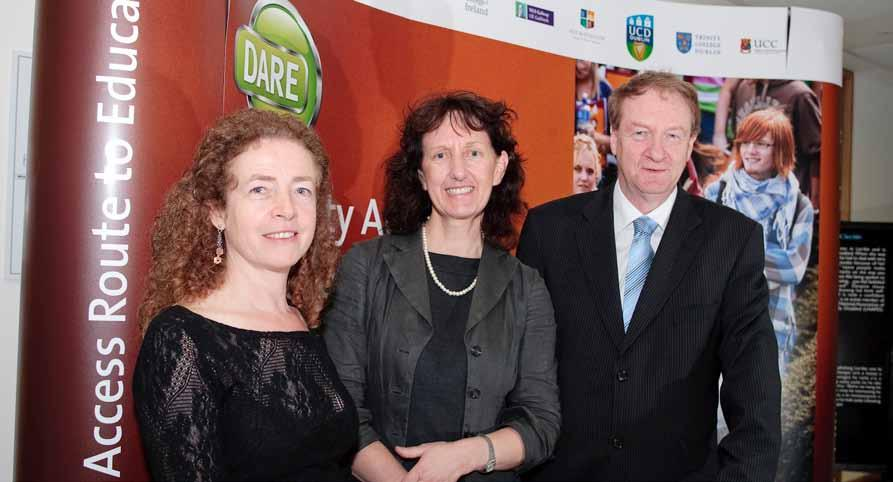 Brie, Vice Presidet fr the Studet Experiece, UCC Octber 2009: Dr Michael Murphy with