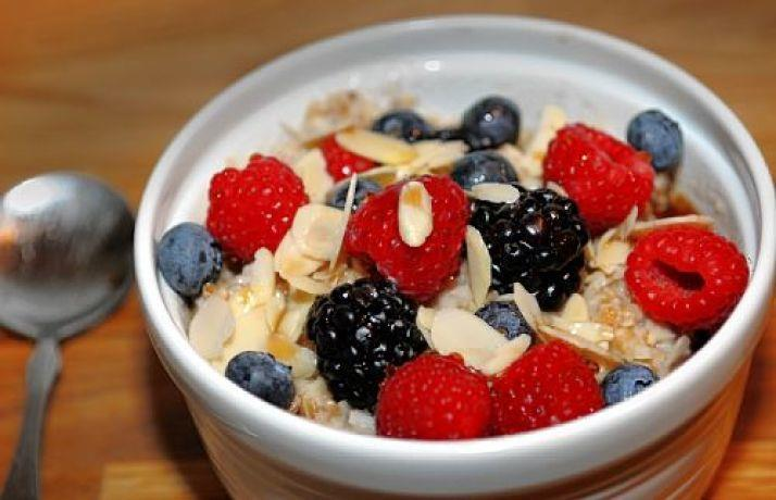 Sample Meal Plan Breakfast: Oatmeal mixed with