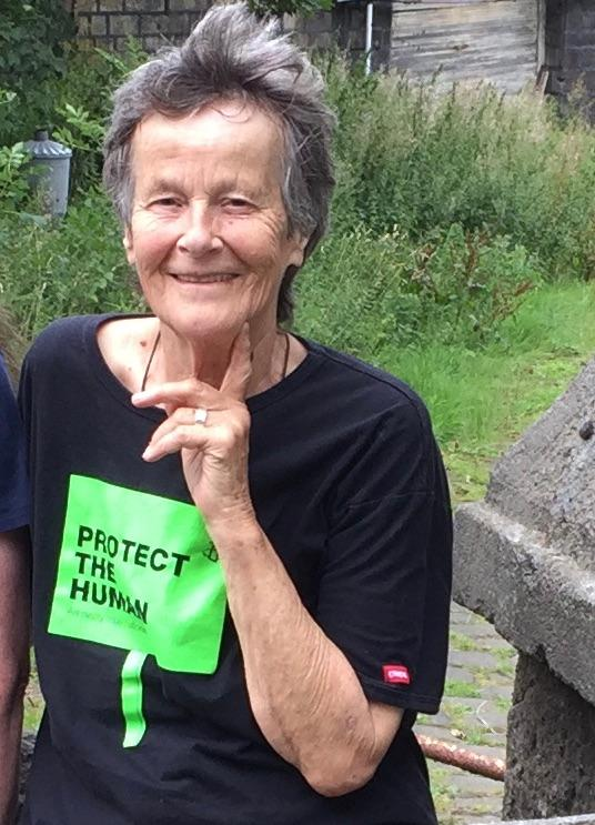 Dinah Murray Dinah Murray is an independent researcher with a PhD on the topic of Language and Interests; a campaigner; an ex-saneline volunteer, a former support worker for people with varied