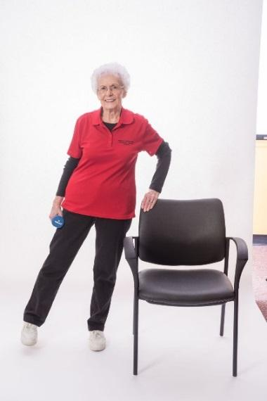 Turn right foot inward slightly, then lift right leg out to the side (about 1-2