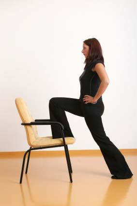 Front Hip Stretch 2 Step left leg forward into a lunge position. Make sure knee does not pass over toes of the left foot.