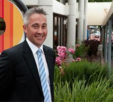 MARK DOWD ~ CLASS OF 1987 Mark Dowd is the Chief Executive Officer at the City of Onkaparinga, South Australia s largest metropolitan council and one of the state s fastest growing areas.